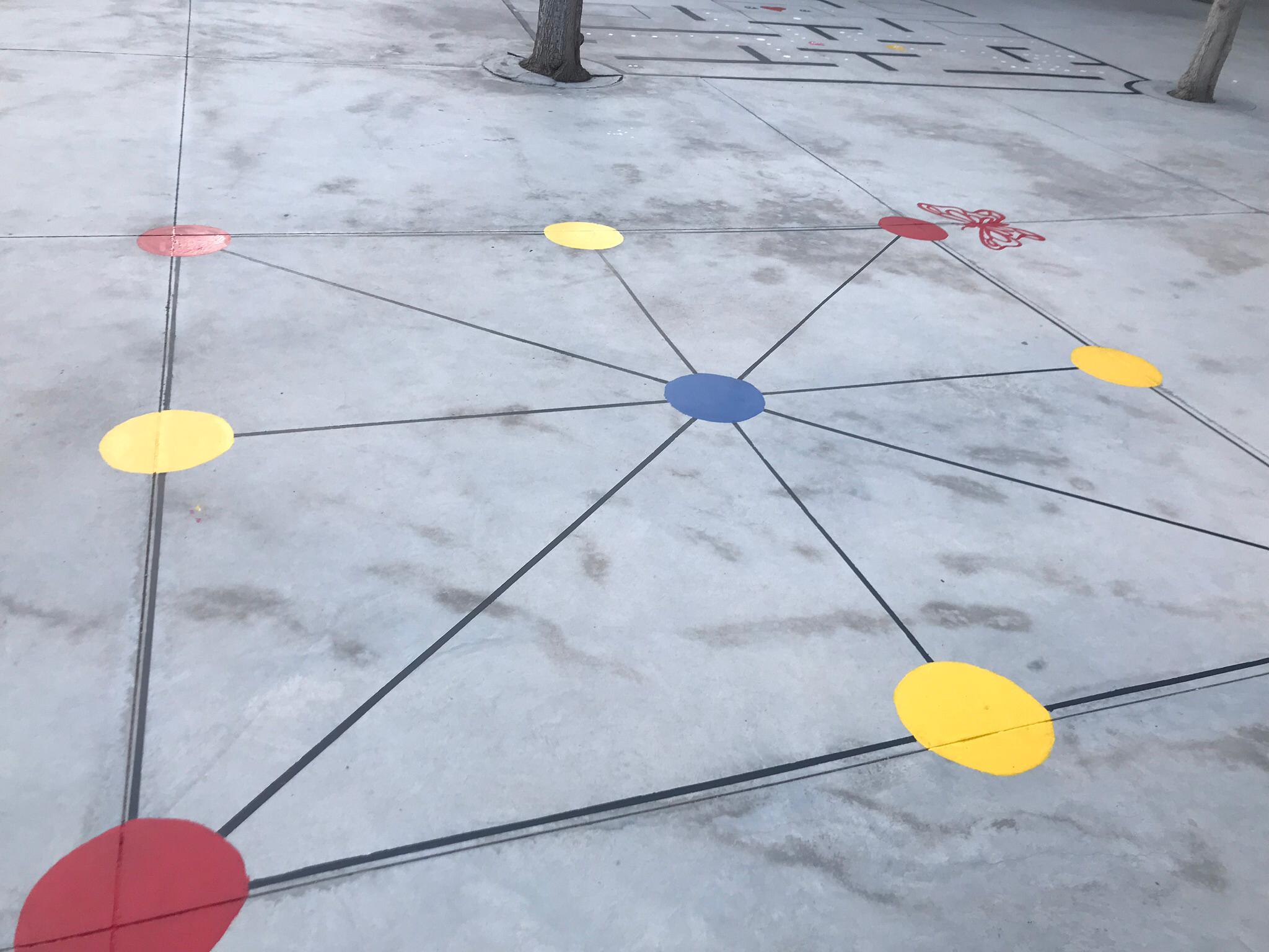 pintura patio infantil 7 - La Arboleda